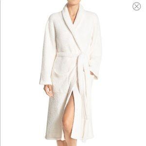 Barefoot dreams robe